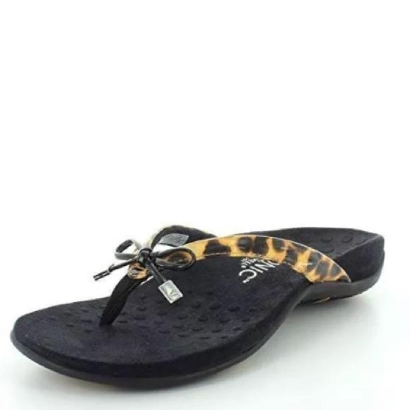 131e8a45925a Vionic Bella - Women s Orthotic Thong Sandals. M 5b00ac7d61ca10c5e435eadd